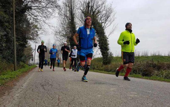 39^ corsa lungo il fiume zero corridori strada